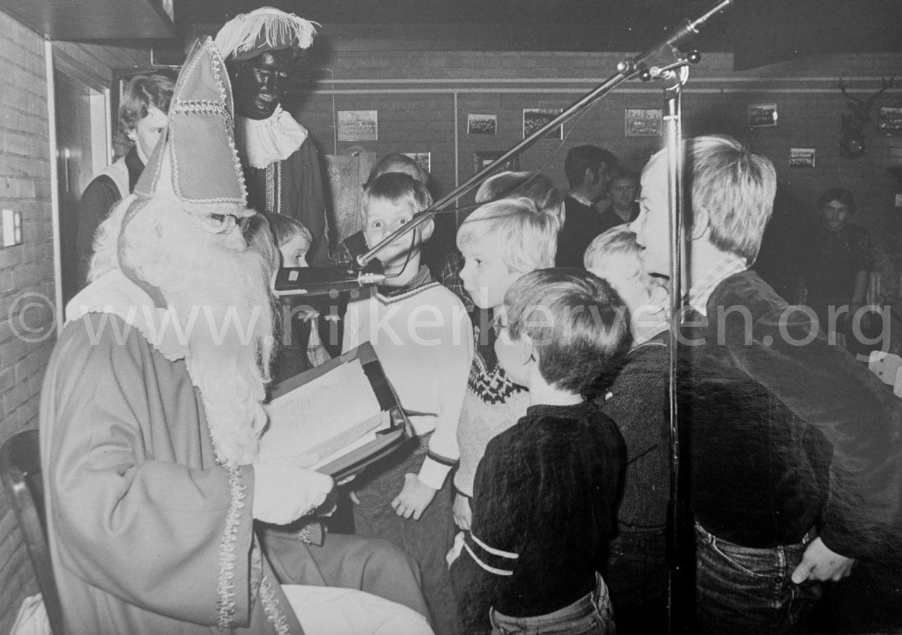 veensche-boys-schoenendoos-sinterklaas-1982-bis
