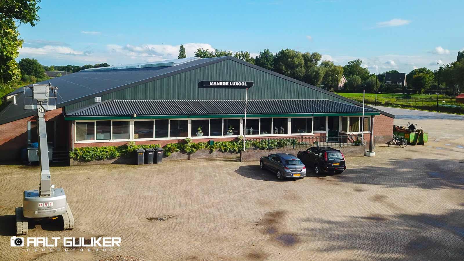 HOOGTEFOTO\'S: Prachtig nieuw dak voor Manege Luxool