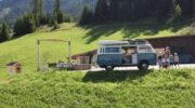 Nijkerks gezin toert in Volkswagenbusje door Italië: 'Een avontuur voor ons vijven'